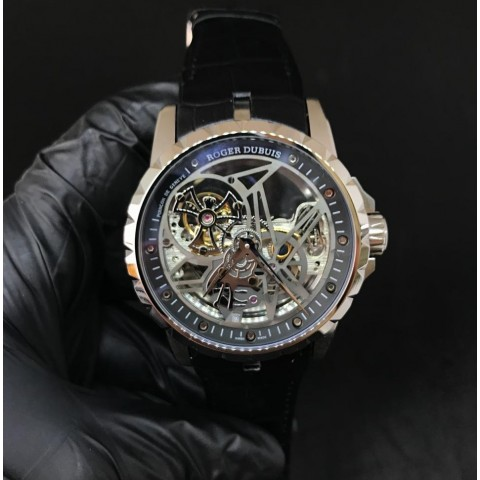 Roger Dubuis (RD 02)